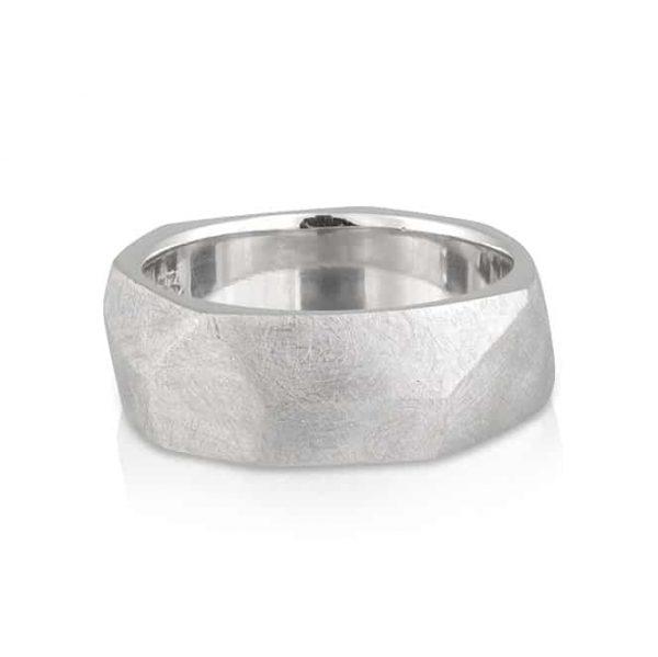 Gents Wedder White Gold Hammer Ring
